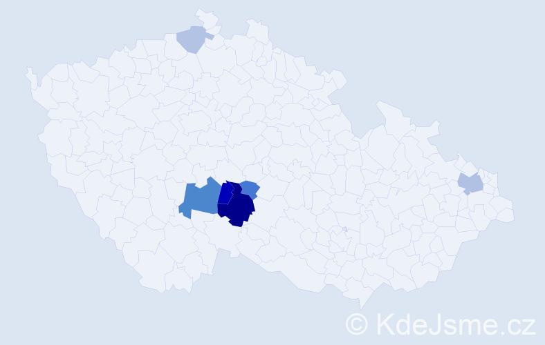 Příjmení: 'Čmucha', počet výskytů 15 v celé ČR