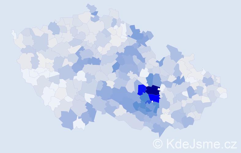 Příjmení: 'Dvořáček', počet výskytů 3255 v celé ČR